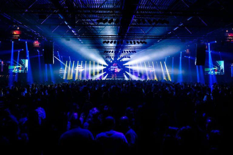 Grote muziekfestivals kiezen voor Evenementenhal Hardenberg: Urban Rebels en Super Fout