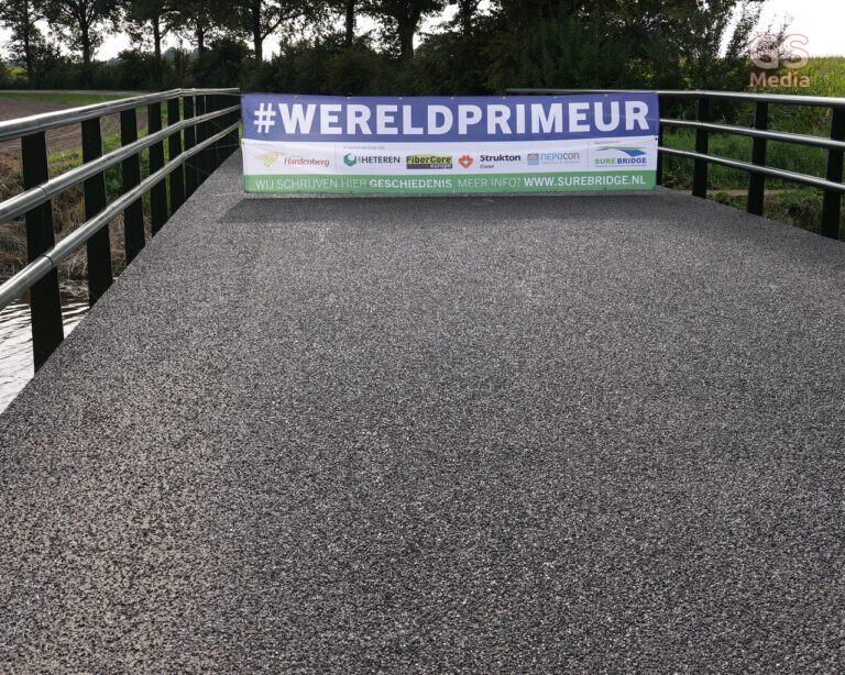 Opening brug in Loozen