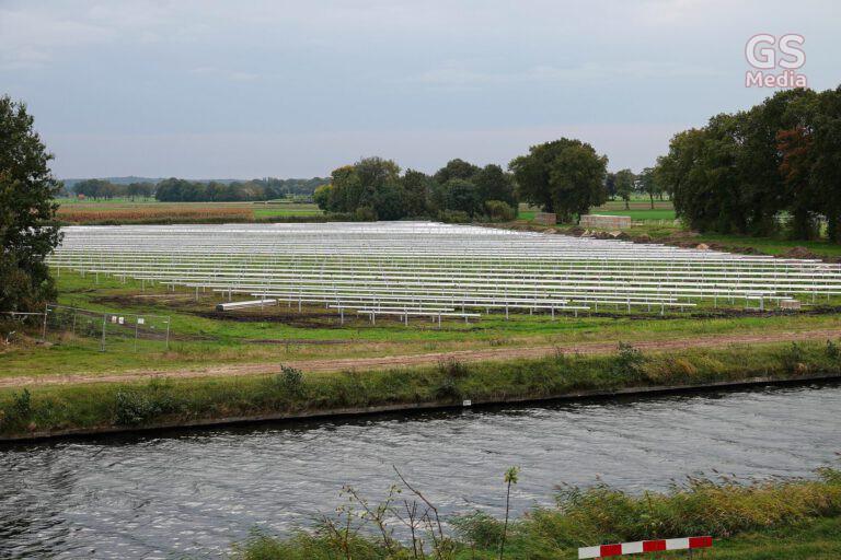 Grootschalig zonnepark aan Westeindigerdijk vordert gestaag